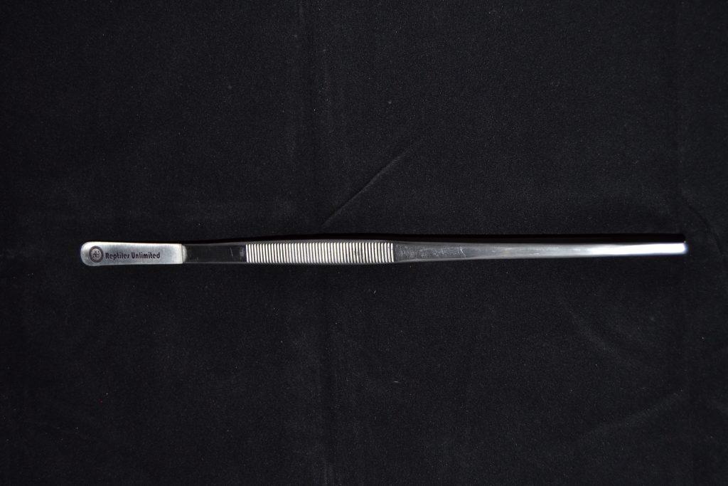 30 cm Tweezers - R140